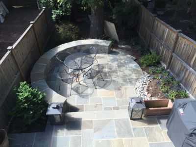 Dimensional Flagstone Patio and Seat Wall